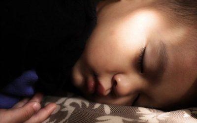 Children Need to Sleep in the Dark for Good Health